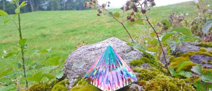 erdheilungsritual-lichtkristall-pyramide