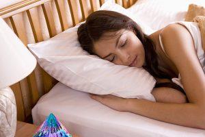 lichtkristall-pyramiden-schlafen